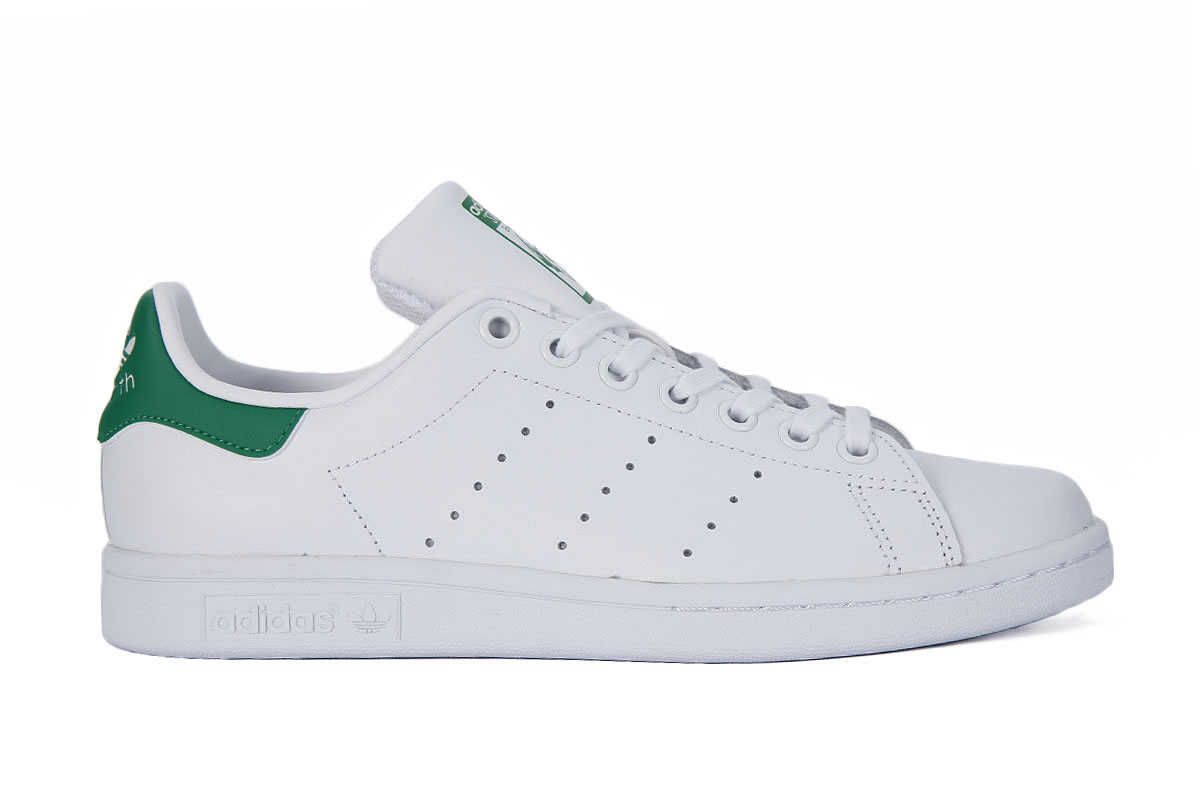 check out 1a451 4c89f ADIDAS STAN SMITH J